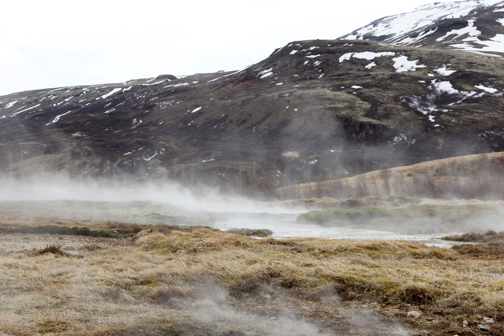 Iceland-roadtrip-golden-circle-geyzir