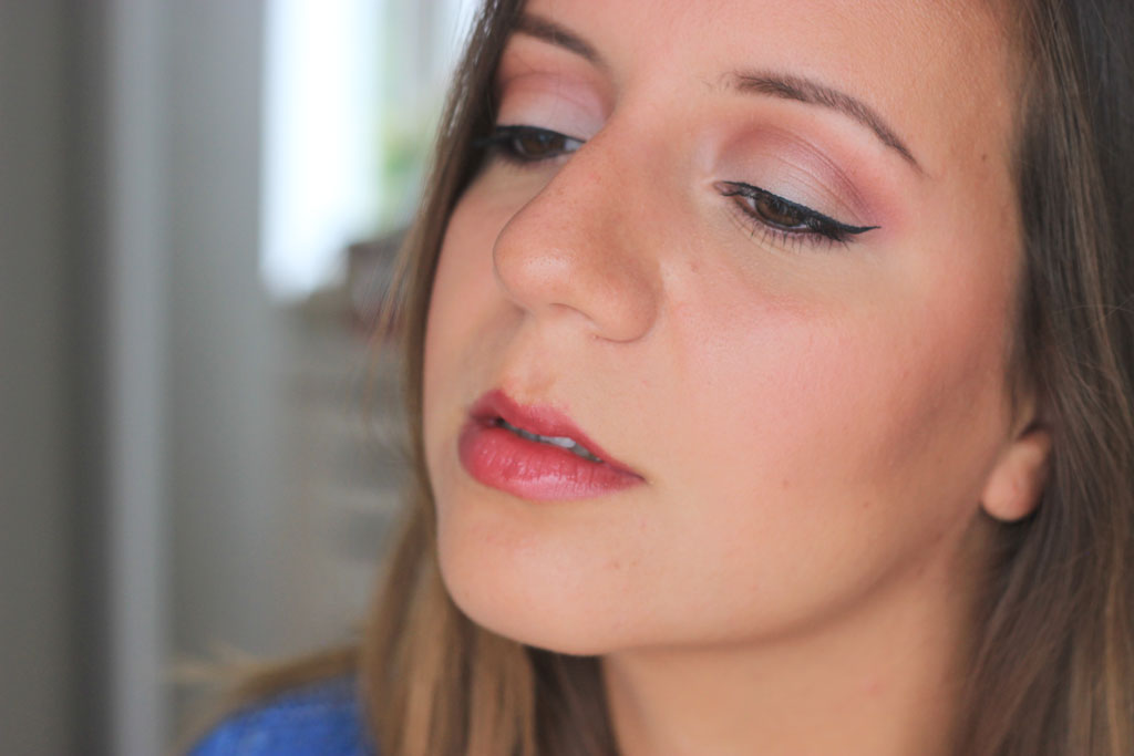 cranberry-crease-fall-makeup