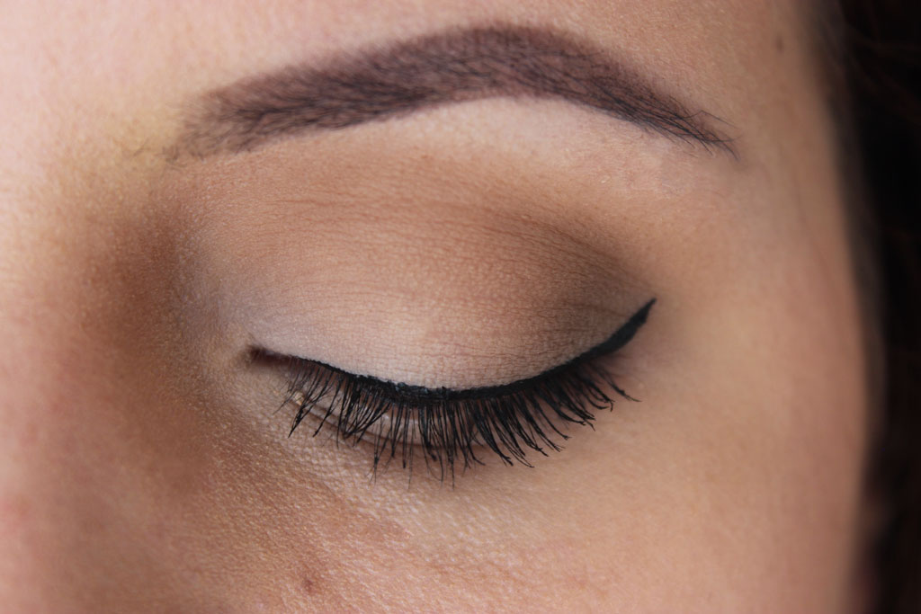 Matte-eye-too-faced-look