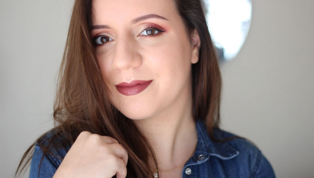 Comment porter un makeup rouge bordeaux ?