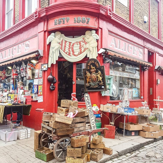 One of the cutest places on earth is in NottingHillhellip